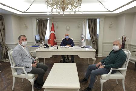 """GÜLER'DEN """"GELECEK İÇİN TARIM"""" VURGUSU"""